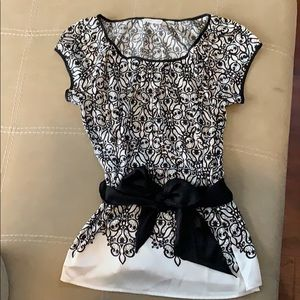 Black and White silk top size XS